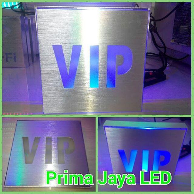 Lampu Sign LED VIP Biru