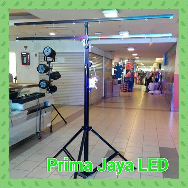 Tripd Stand Par LED Double