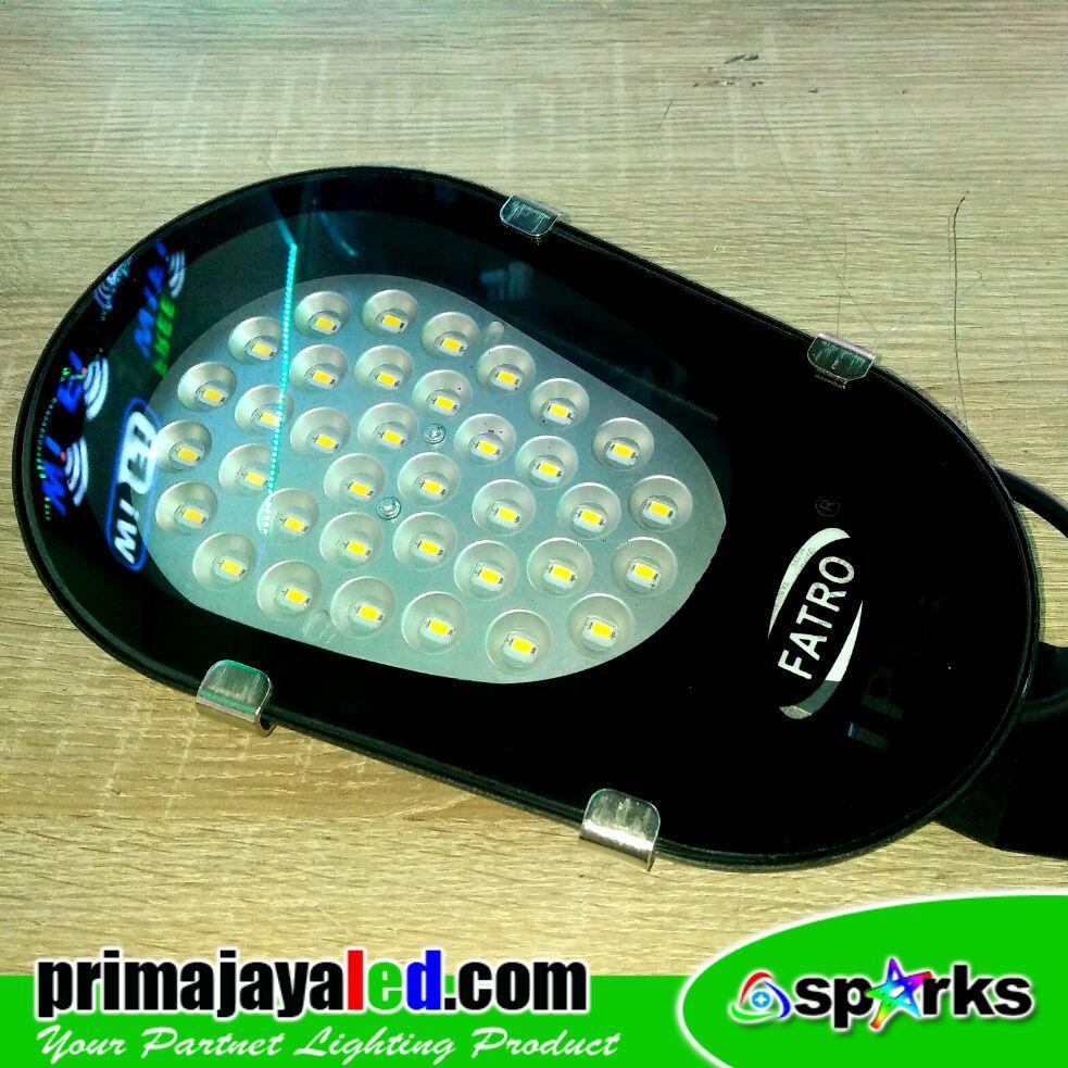 Lampu LED Mini PJU Wall 18 Watt