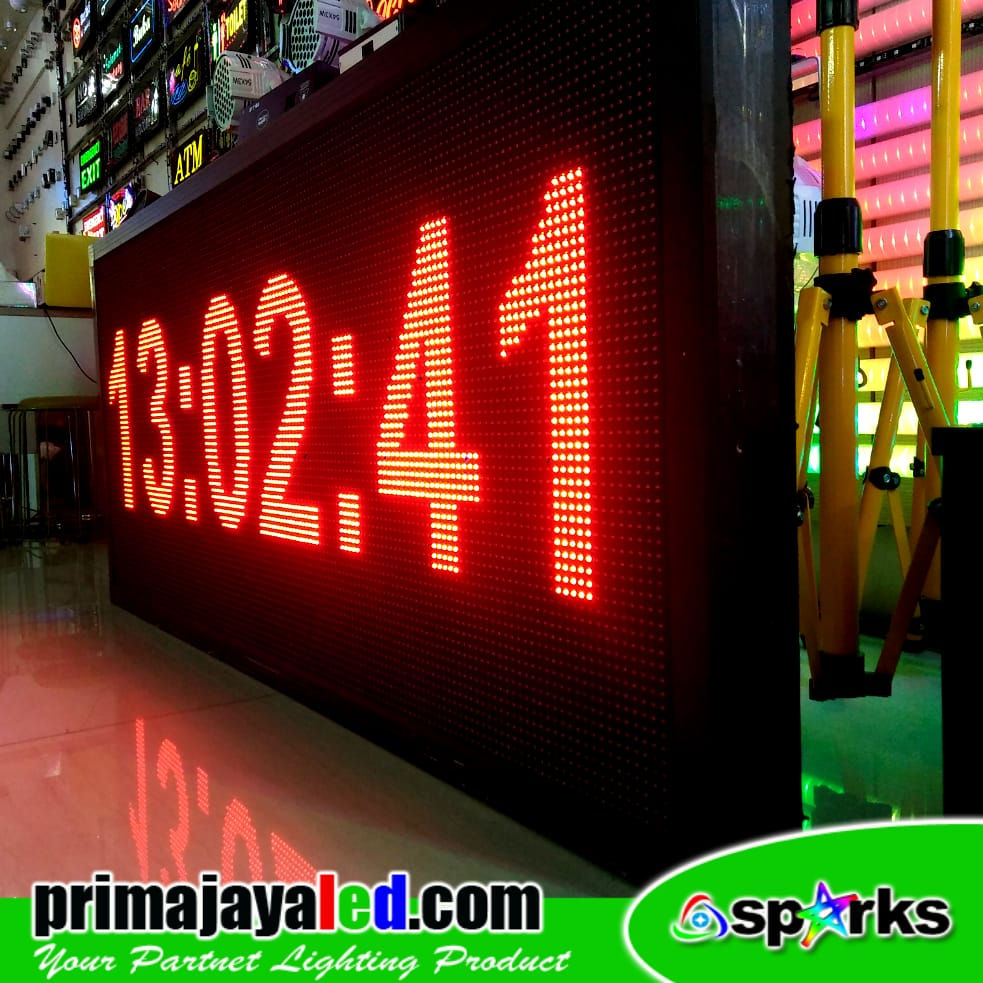 Running LED Display 169 x 73cm Merah