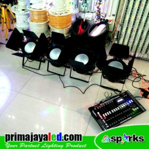 Set 4 Fresnel LED COB 200w 2in1 DMX Pro